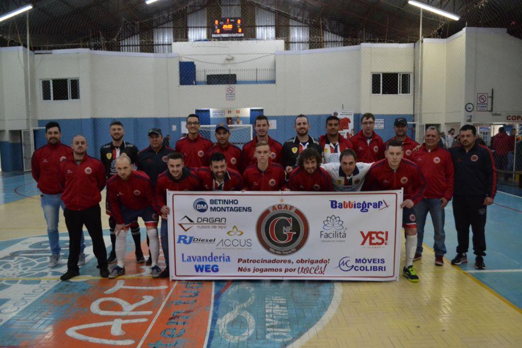 1b2963886f291 No sábado (11) o Ginásio Harry Alberto Erpen abriu suas portas para as  primeiras disputadas do Campeonato Municipal de Futsal 2018.