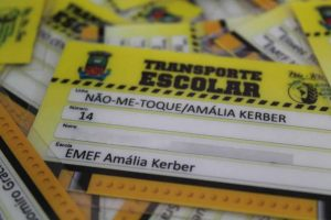 SME entrega novas Carteiras do Transporte Escolar