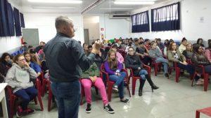 Secretário Jair Kilpp fala sobre o Desenvolvimento Local a alunos do Solano